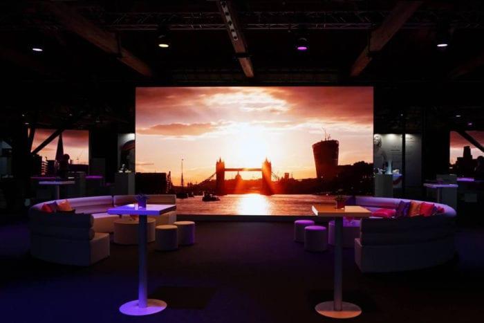 Allergan_Tobacco_Dock_indoor_led_screen
